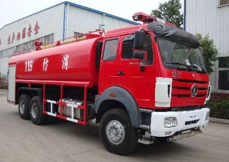 大型森林消防车